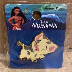 Loungefly Moana Pua pin